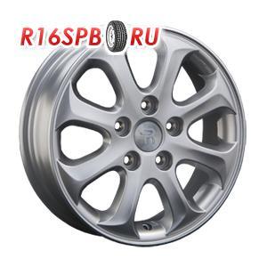 Литой диск Replica Hyundai HND23 5.5x15 5*114.3 ET 41 S