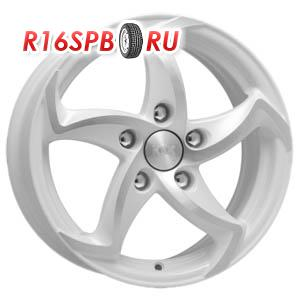 Литой диск КиК Ландау 6.5x15 5*100 ET 40 алмаз белый