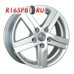 Литой диск Replica Toyota TY135 5.5x15 5*114.3 ET 39 S